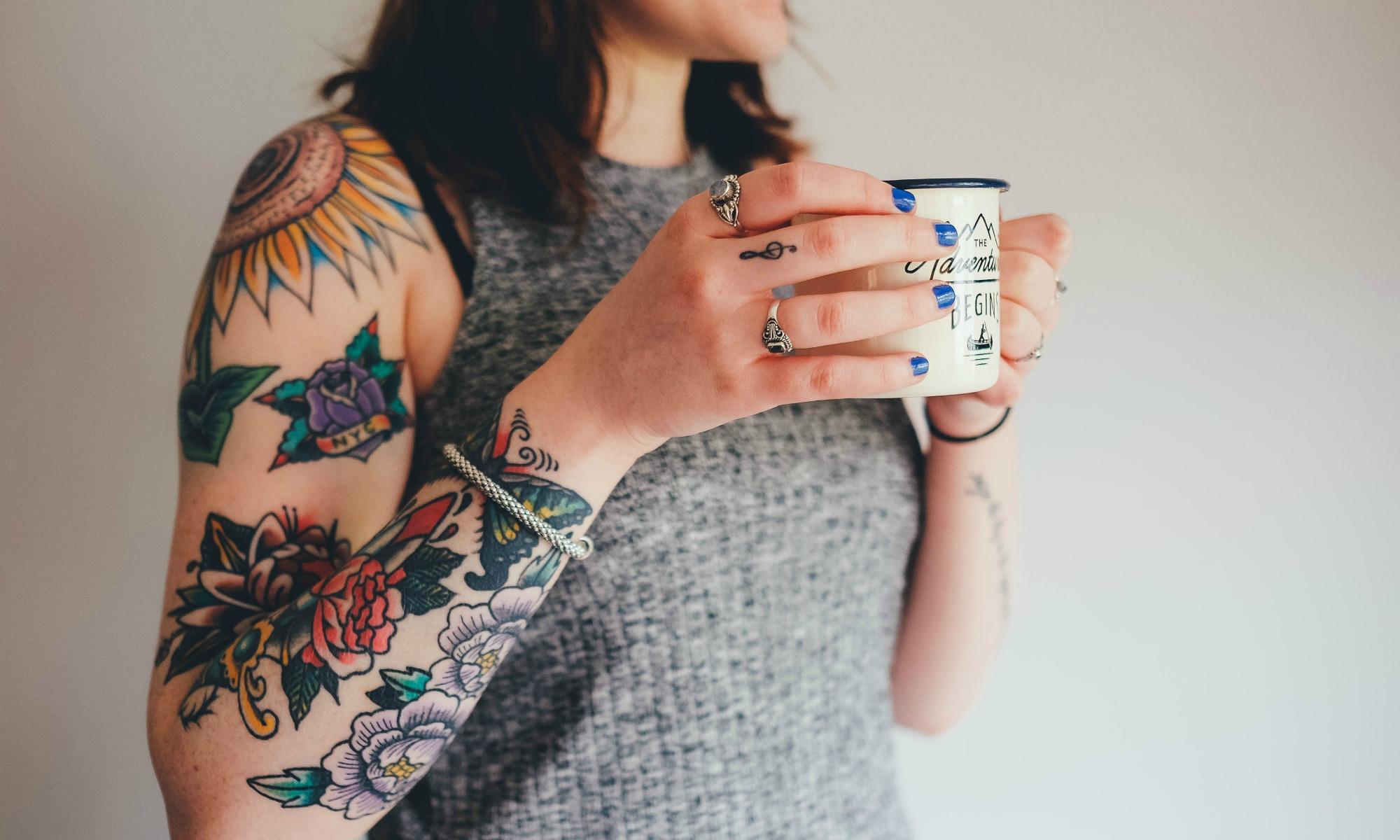Tatuatii ok la angajare